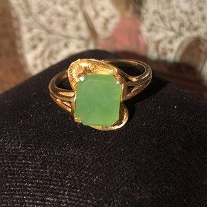 💛 10k Yellow Gold Vintage Emerald Ring